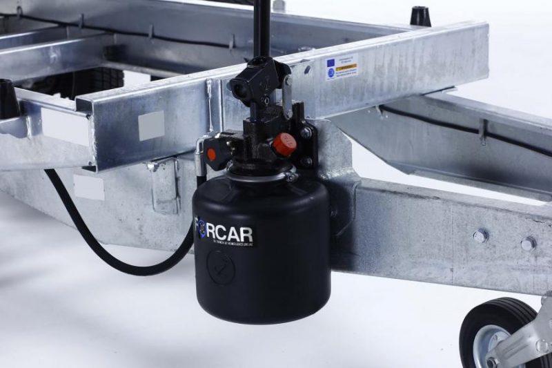 Remolque-hidraulico-basculante-power-box-b-1500-bomba