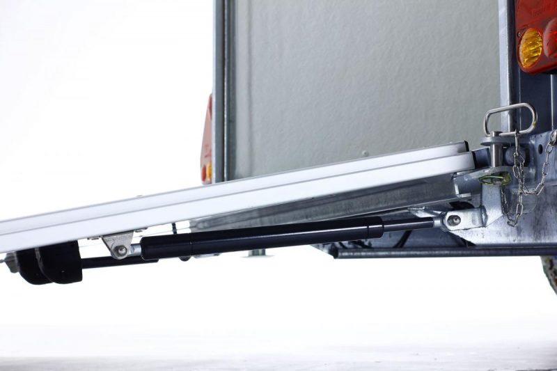 Remolque-de-fibra-cerrado-onne-forcar-con-freno-amortiguador
